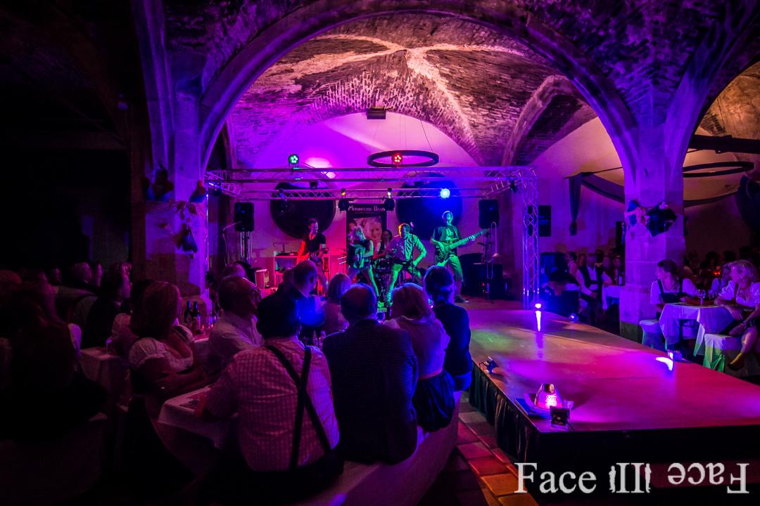 Event DJs, Fotografen und Veranstaltungstechnik von Face II Face