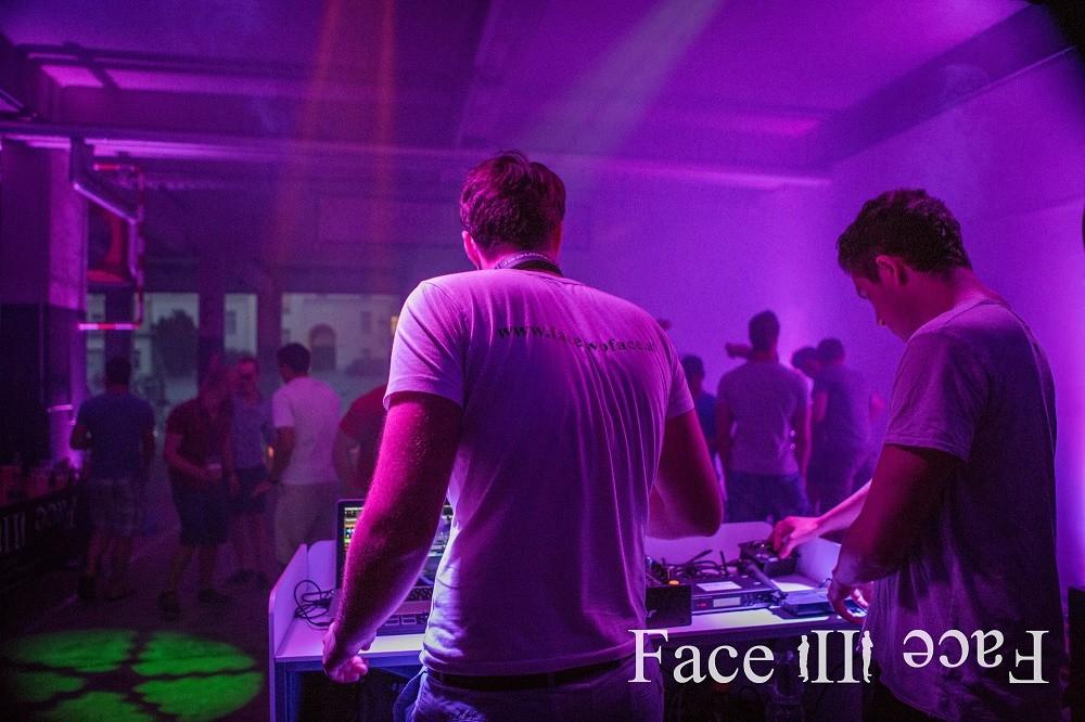 DJs, Fotografen und Veranstaltungstechnik - Face II Face