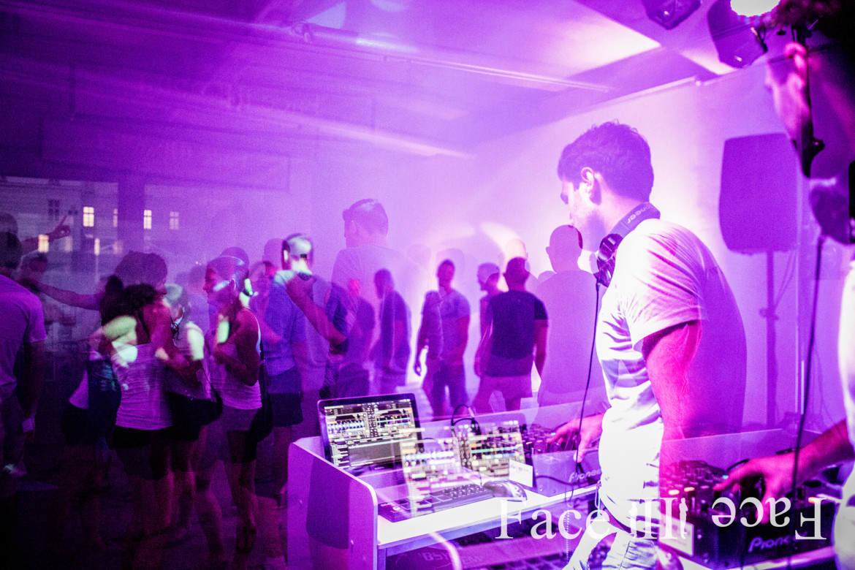Alles aus einer Hand bei Face II Face - Profi Event DJs