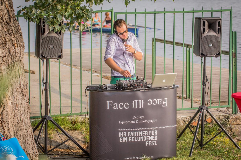 Die DJs von Face II face sorgen auch auf Ihrer Feier für top Stimmung