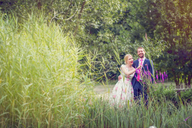 Schöne Paarshootings eignen sich gut im Freien - Die Hochzeitsfotografen von Face II Face