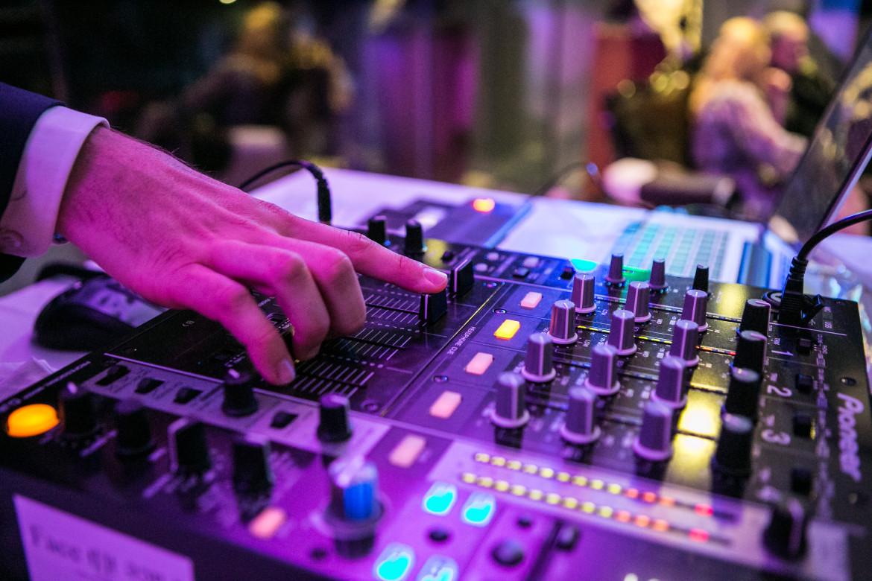 Pioneer DJ Mischpulte und CD Player finden Sie ebenfalls in unserer Veranstaltungstechnik