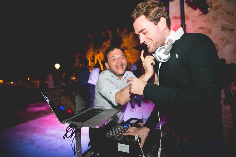 Wir bieten Ihnen einen DJ für Ihre Hochzeit auf Mallorca!