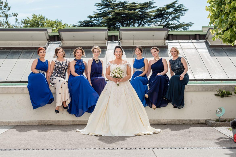 Fotografiert werden beim Fotografieren, auch das ist mit unseren Hochzeitsfotografen möglich