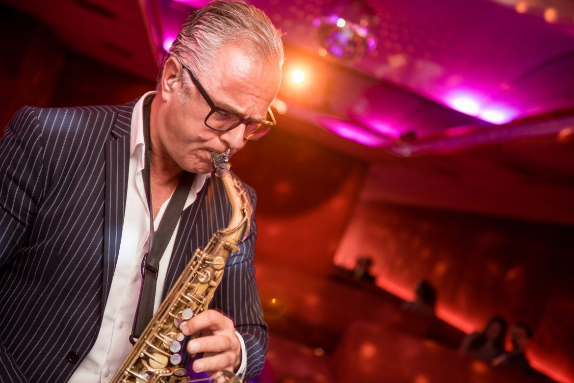 Saxophonist TomX exklusiv bei Face II Face!